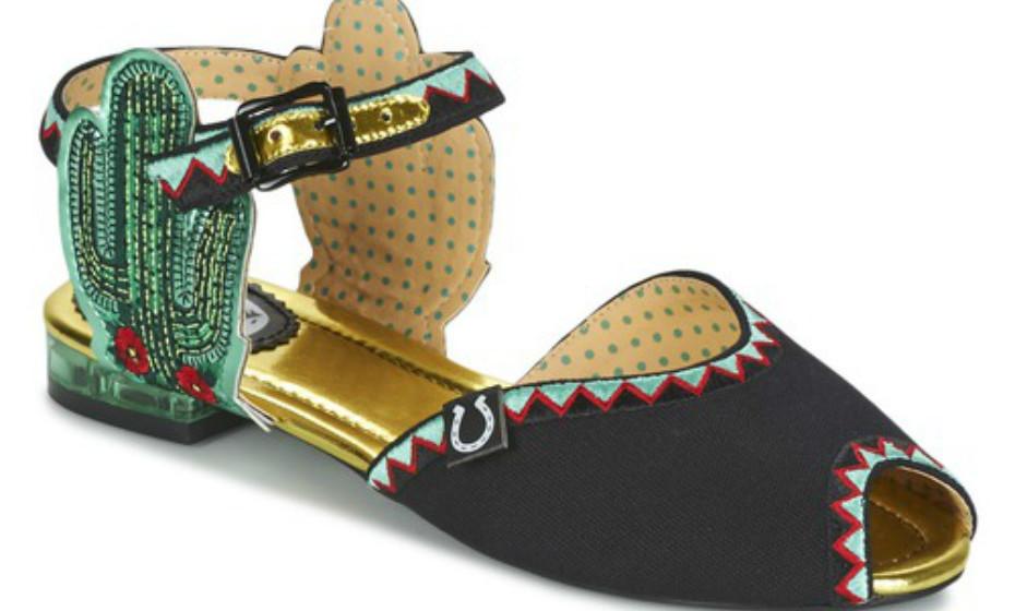 Estas sandálias primam pela originalidade e não vão deixar ninguém indiferente ao seu andar. Na imagem, Miss L-Fire, 99€.