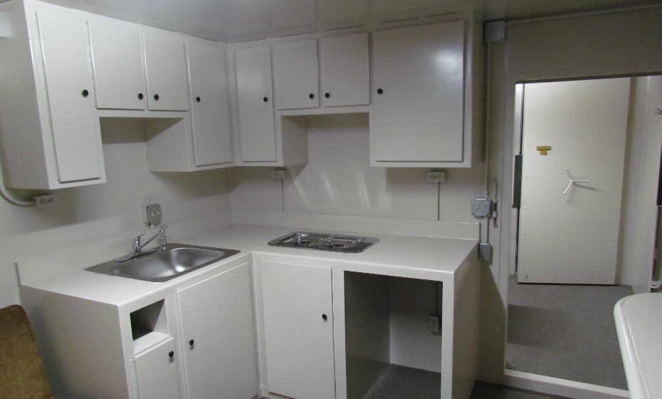 Esta é uma das cozinhas dos bunkers da Rising S. Company.