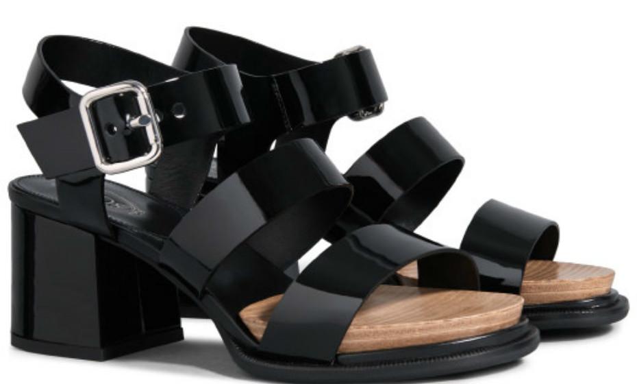 O seu estilo é mais rock'n'roll e não se identifica muito com cores pastel ou sabrinas? Estas sandálias foram feitas a pensar em si! São da Tod's, 520€.