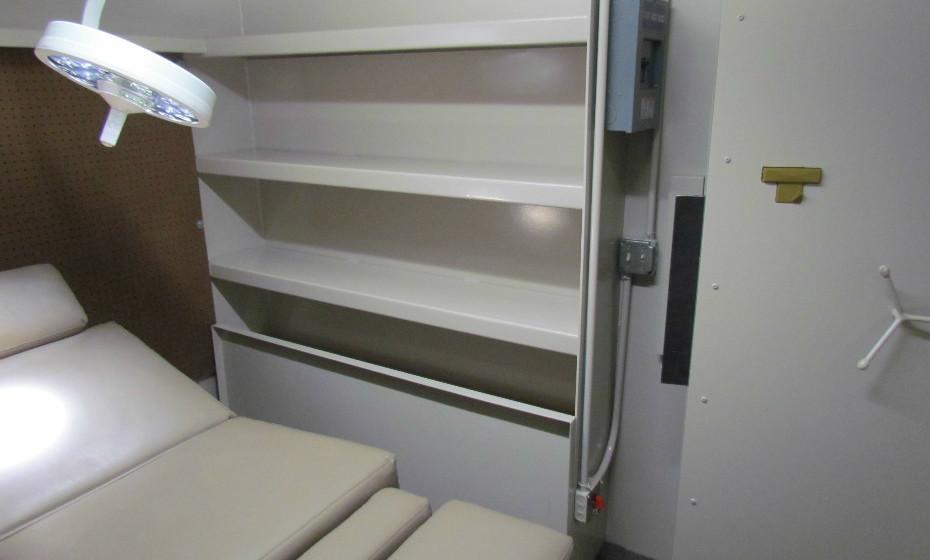 Esta é o exemplo de uma divisão médica num bunker.