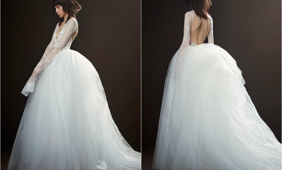 A criatividade de Vera Wang não conhece limites. Este é um vestido que surpreende a cada costura.