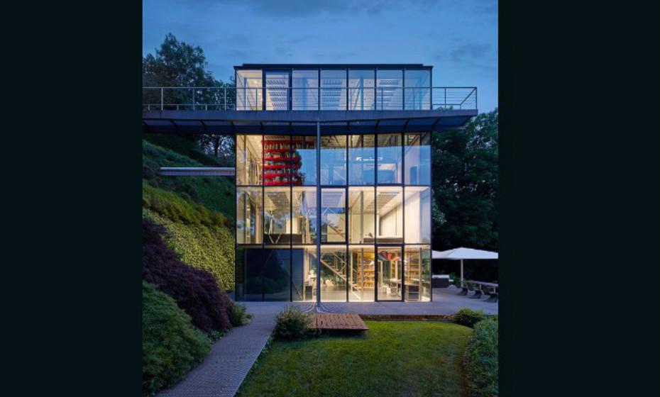R128 de Werner Sobek, Estugarda, Alemanha – A casa de energia zero produz zero emissões e tem um sistema digital que controla a energia utilizada. Todos os materiais utilizados na sua construção são biodegradáveis. Imagens: Reprodução 'CNN'