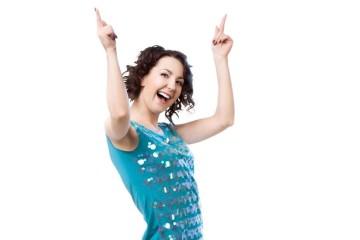 Por esta altura, dança-se e muito. Seja num bailarico, num sunset ou numa discoteca com amigos. Além de ser uma atividade física divertida e uma forma de expressão artística, a dança beneficia o bom funcionamento do cérebro e a saúde. Ora descubra...