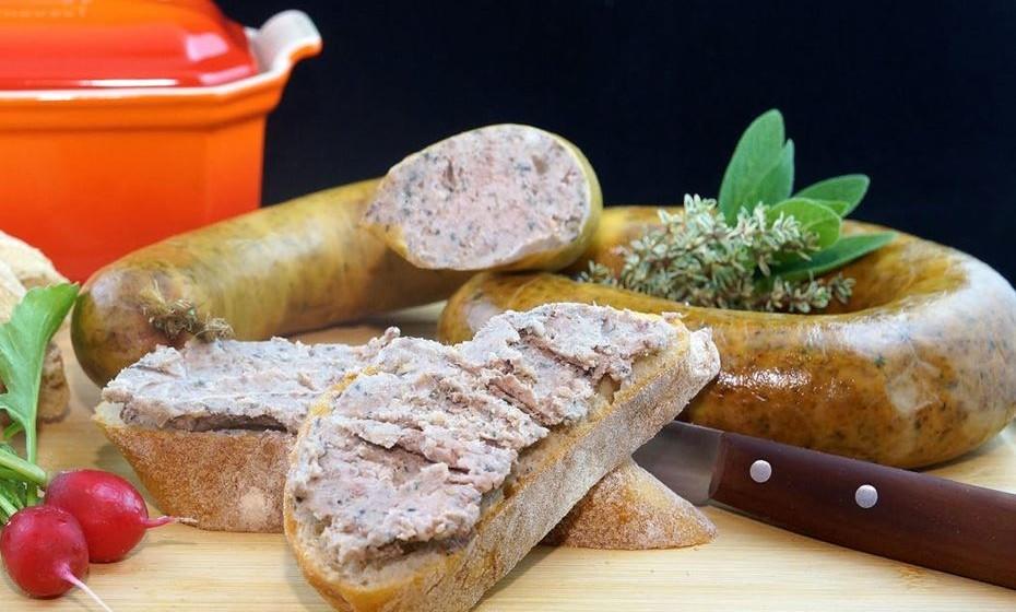 As carnes de órgão são ricas em colesterol, independentemente da fonte animal, mas no bom sentido, uma vez que o seu consumo reduz a produção de colesterol por parte do fígado.