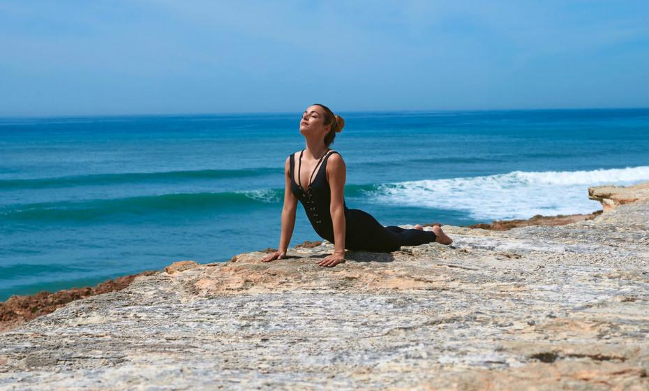 A jovem atriz e modelo assina uma edição limitada lançada esta semana e em parceria com a Yourself.