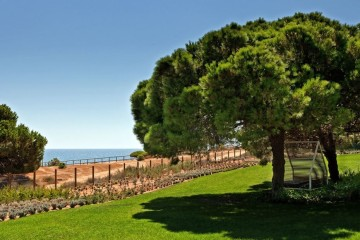 Com base em fatores como a relação qualidade-preço, a proximidade à praia e a avaliação feita pelos utilizadores, a trivago acaba de divulgar a seleção dos melhores hotéis portugueses localizados à beira-mar. (Foto: Epic Sana Algarve)