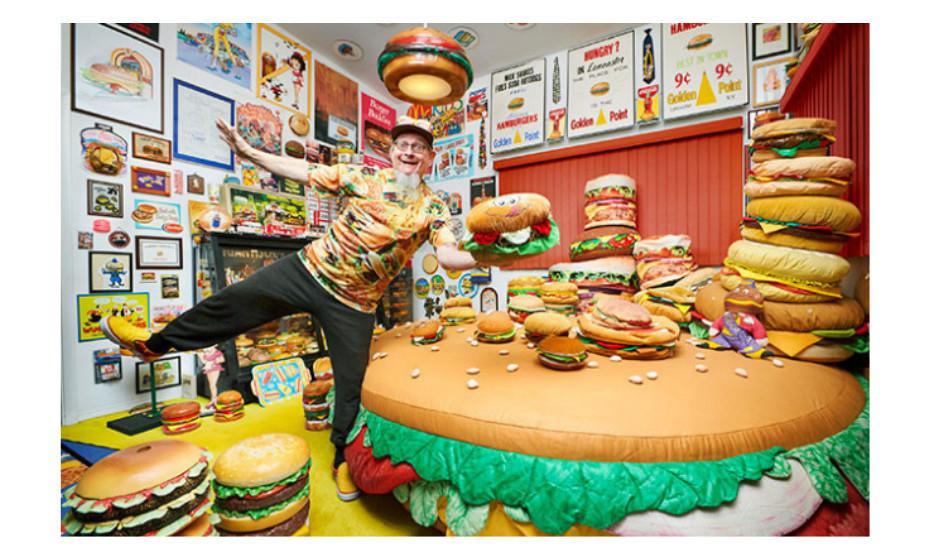 A maior coleção de itens relacionados com hambúrgueres pertence a Harry Sperl e consiste em 3.724 itens. O recorde foi alcançado na Flórida, EUA, a 20 de setembro de 2014.