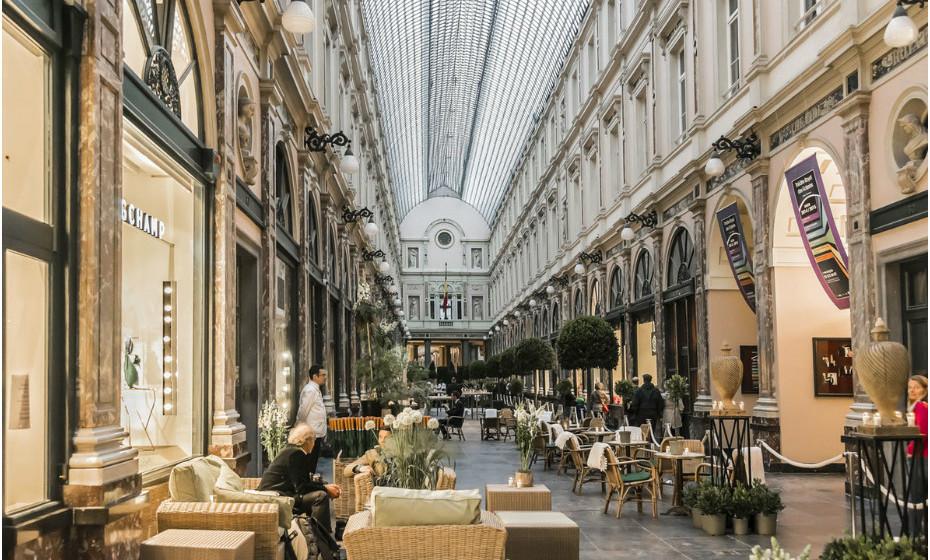As Royal Galleries (de la Reine, du Roi, e des Princes), em Bruxelas, estão repletas de brilho por tudo o que é canto. A construção coberta data de 1846-47 e representa a primeira do seu género na Europa.