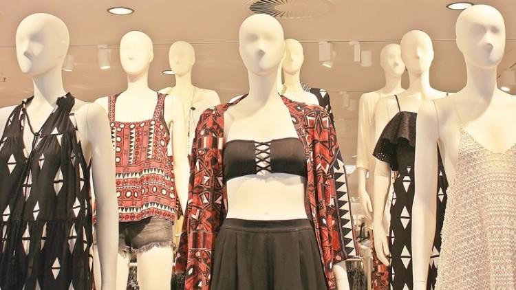 Manequins de loja dão ideia errada do corpo feminino, mas não do masculino