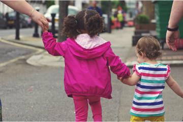 Crianças só estão prontas para atravessar a rua aos 14 anos