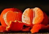 Alimentos reais são alimentos de um único ingrediente ricos em vitaminas e minerais, sem aditivos químicos e não processados. Resumindo, a laranja, a maçã, a banana, os espinafres, os ovos … Este tipo de alimentos pode realmente ajudá-la a perder peso. Compreenda porquê.