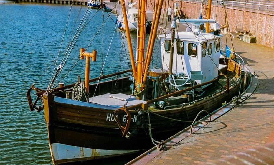 A pesca marítima emprega, direta ou indiretamente, mais de 200 milhões de pessoas.
