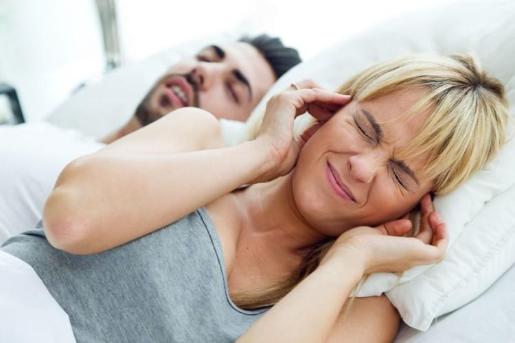 casal a dormir