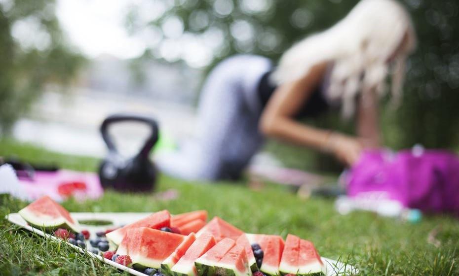 Desporto ao ar livre: Se o tempo não está muito quente, faça uma sessão de desporto ao ar livre com amigos. Nada como uma boa competição entre amigos para abrir o apetite.