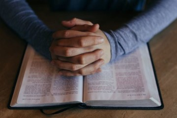 Participar em celebrações religiosas faz bem à saúde comprova novo estudo