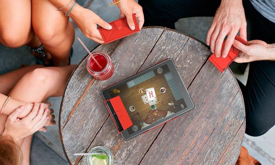 """Capa para tablet, 'WonderCover', distinguida com Prata na categoria de """"Leisure, Games and Fun"""" nos European Product Design Awards."""
