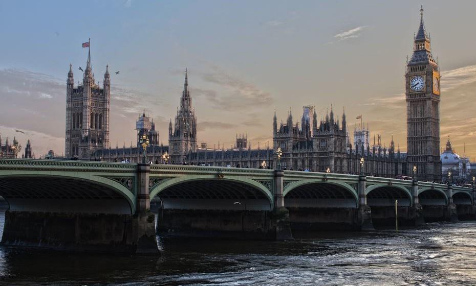 Londres  - A comida oferecida por esta cidade é tão multicultural quanto os seus habitantes. Seja em mercados de alimentos, festivais ou mesmo cadeias mundiais, é possível encontrar pratos veganos em quase todas as ruas.