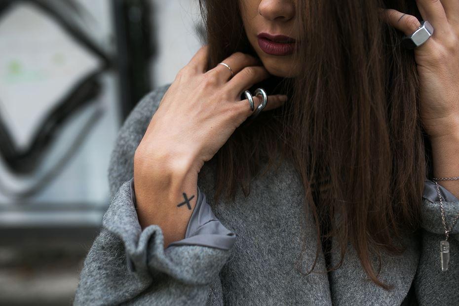 Um anel para cada dedo: cada um tem o seu significado