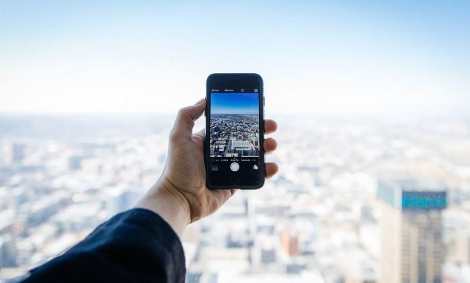 É possível evitar um susto na fatura telefónica ao alugar um telemóvel 3G/4G no destino de férias.