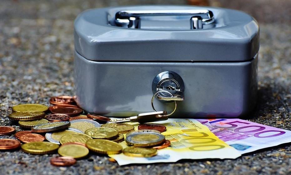 15.Guarde num local visível todo o dinheiro que está a poupar ao abandonar o tabaco. Use-o para comprar algo que lhe dá prazer sem destruir a sua saúde.