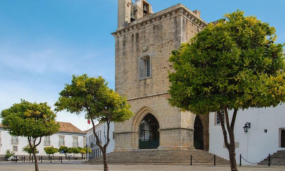 3 – Faro:  A capital algarvia completa o pódio de cidades mais vegan-friendly de Portugal. Por ser para muitos o ponto de chegada a Portugal, Faro recebe um grande número de turistas internacionais que influencia a grande variedade da culinária local.
