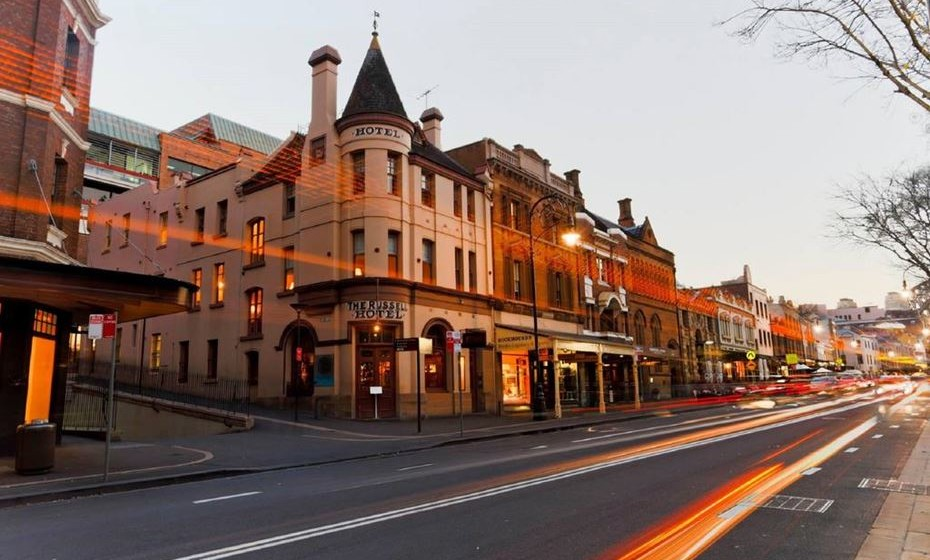 4.Russell Hotel – Sydney, Austrália - Conheça o lado mais assustador de Sydney ao dormir no Russell Hotel, situado em The Rocks, o bairro mais antigo da cidade. Serviu, em tempos, como destino para marinheiros desordeiros e, mais tarde, como hospital improvisado durante a peste bubónica no início do século passado.