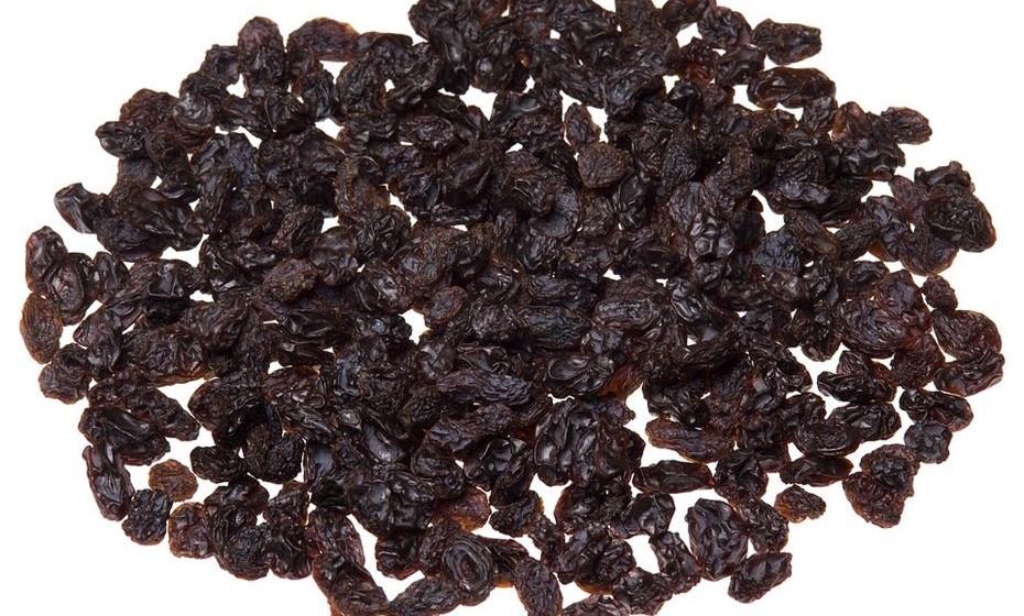 Passas de uva – um quarto de chávena contém 270 mg de potássio.
