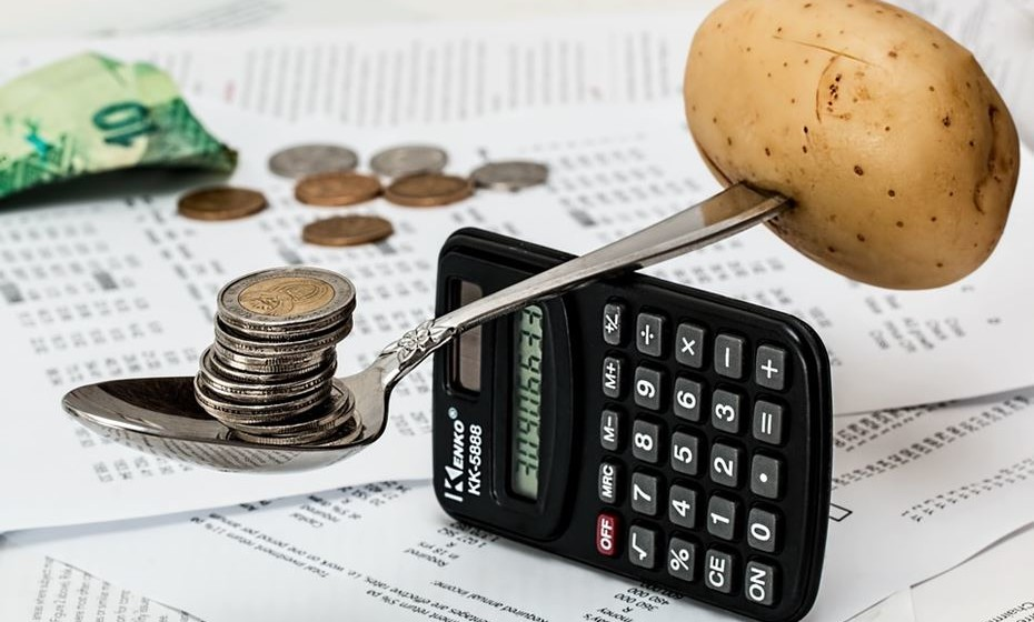 Ana Bravo, especialista em gestão financeira e autora do livro 'ABC da Poupança', deixa-lhe algumas dicas simples para poupar no dia a dia.
