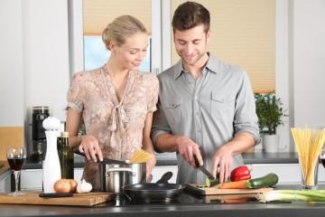 Quer aquecer um pouco mais o clima? Temos a solução para si. Existem inúmeras comidas que estimulam e colocam o casal no espírito perfeito para a ocasião. Veja a lista de alimentos afrodisíacos que temos para si.