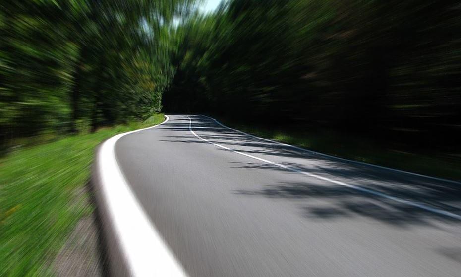Muito importante. Não deve apanhar urtigas que estejam a menos de 50 metros das estradas com grande circulação porque captam o chumbo lançado pelos canos de escape dos carros.