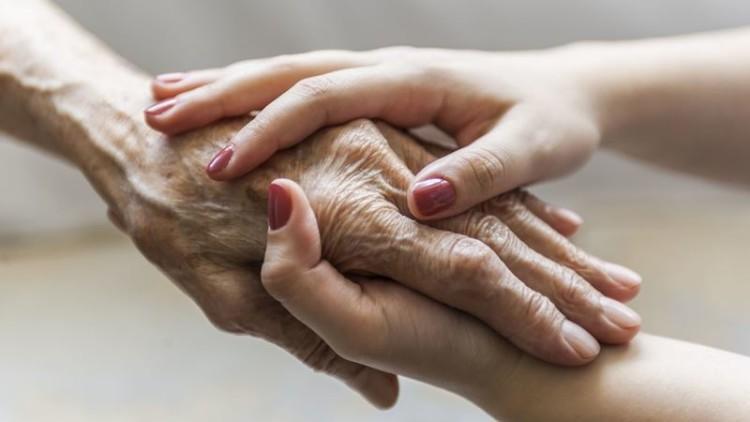Mais de 90% dos cuidadores são do sexo feminino