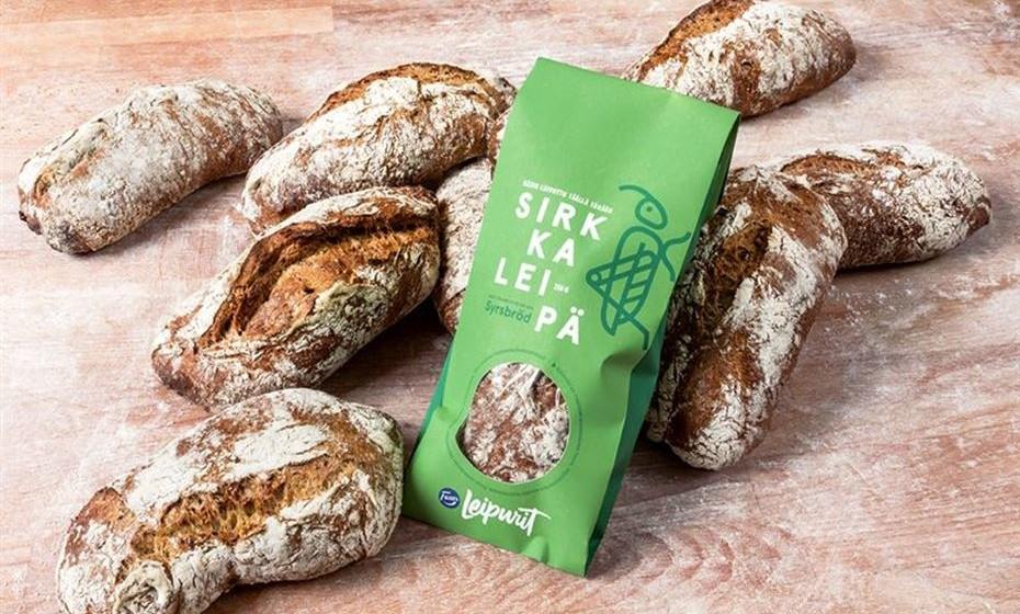 Depois dos hambúrgueres na Suíça, agora é a vez da Finlândia estrear-se na alimentação à base destes invertebrados. Quem provou este pão feito com farinha de grilos diz que não nota qualquer diferença em relação ao pão convencional. E é rico em proteína. Imagens: Reuters