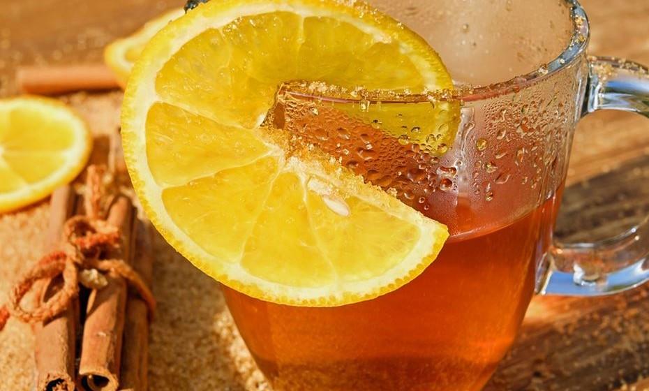 Canela: A canela ajuda na redução da glicémia, regulando o açúcar no sangue, sendo este chá um aliado no combate à diabetes. Como se não bastasse, a canela ajuda a diminuir a vontade de ingerir açúcar e melhora a circulação.