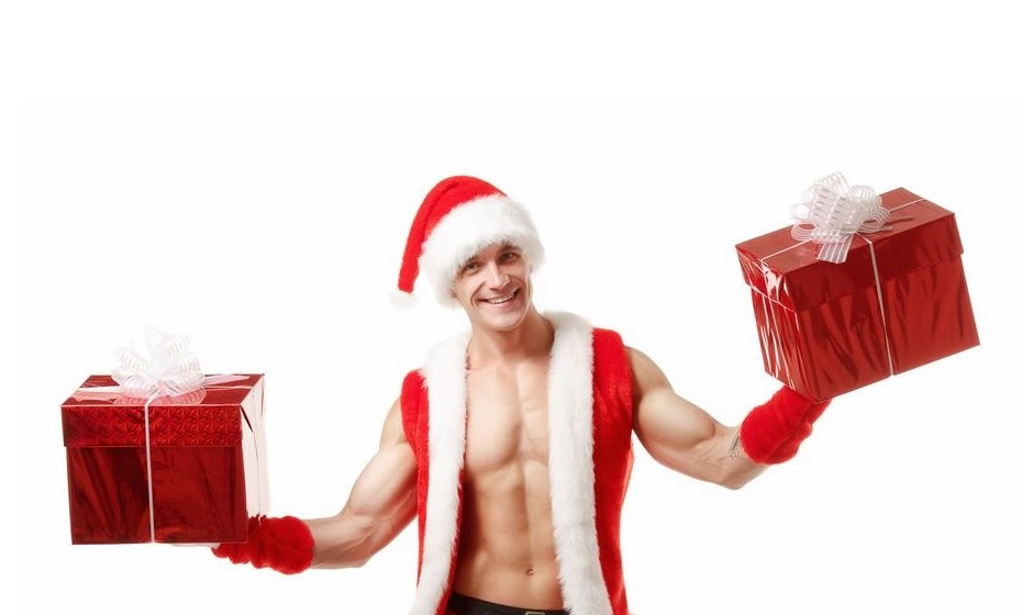 Sim, não se espante se na hora de abrir o presente do seu amigo secreto lhe saltar uma surpresa erótica para as mãos. É que, depois do Dia dos Namorados, o Natal é a época mais movimentada nas sex shops, sobretudo para surpreender amigos. Veja de seguida quais são os preferidos.