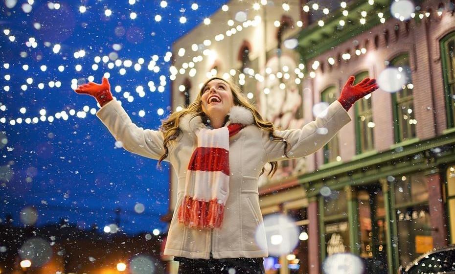 O Livro de Recordes do Guiness deu a volta ao mundo para dar a conhecer a mais alta, a mais brilhante, a mais larga… (e por aí fora) iluminação de Natal de sempre. Veja alguns recordes registados.