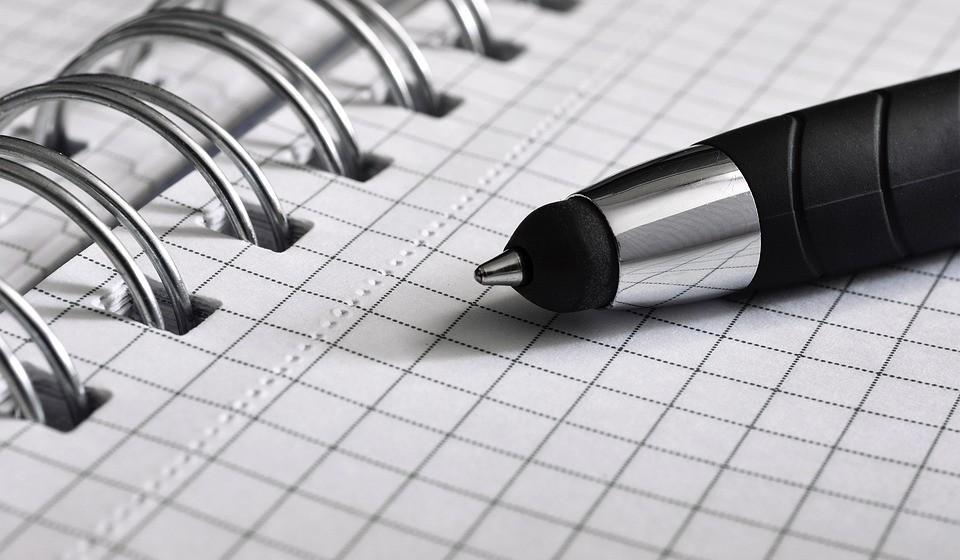 Muitas pessoas consideram que estabelecer objetivos ajuda a melhorar os sintomas urinários. Escreva alguns objetivos para os próximos três meses.