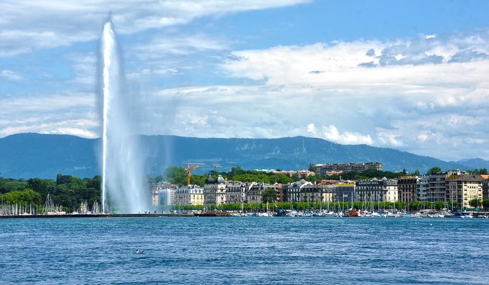 14 – Genebra, Suíça. Residência principal: 210 / Residência de férias: 2005.