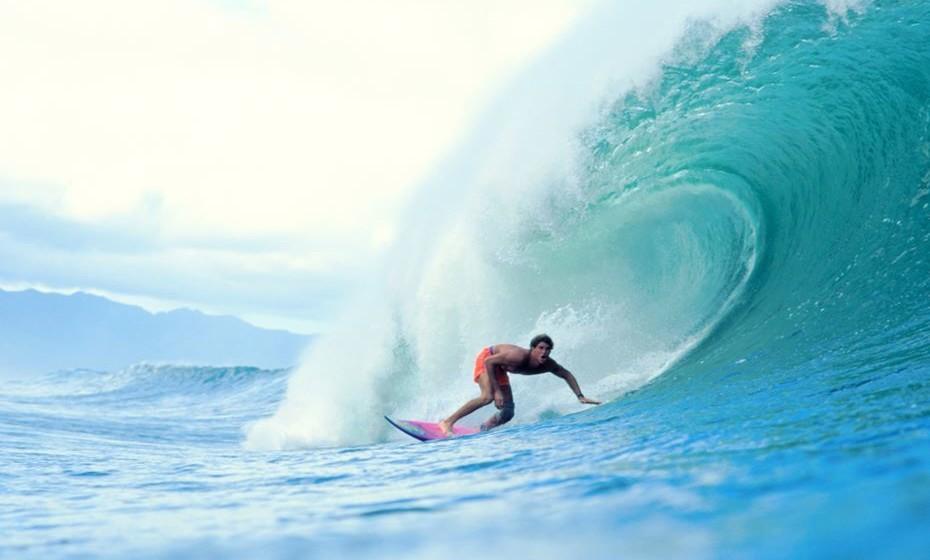 O Banzai de Oahu (comumente conhecido como The Pipeline), no Havai, é um dos pontos mais procurados do mundo. Localizado na costa norte da ilha, no Ehukai Beach Park, mede ondas de nove metros de altura.  Esta atividade definitivamente não é para iniciantes, mas mesmo para os não-surfistas será uma emoção assistir a muitas competições de surf que acontecem no The Pipeline.