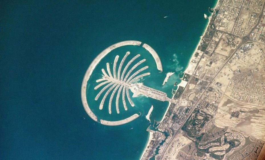 O arquipélago  Palm Islands foi construído pelo homem.