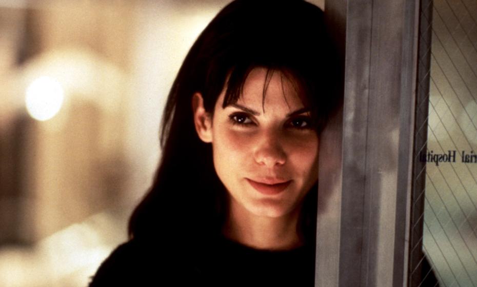 """""""Enquanto Dormias"""", o filme de Jon Turteltaub protagonizado por Sandra Bullock e o seu visual simples e bonito."""