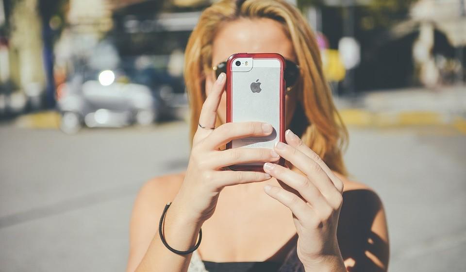 Planeie com antecedência a localização de casas de banho públicas. Existem aplicações disponíveis para o smartphone ou tablet que utilizam a sua localização atual para encontrar, em todo o mundo, a casa de banho pública mais próxima (ex. Toilet Quest-Finder).