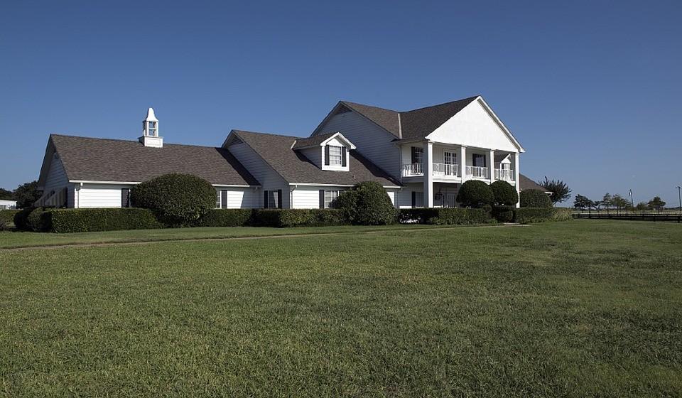 9 – Dallas, EUA. Residência principal: 2330 / Residência de férias: 638.