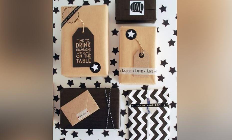 Se é prefere um estilo natural elegante, experimente o papel craft ou o papel com motivos chevron (linhas quebradas) e adicione etiquetas ou selos com mensagens divertidas e inspiradoras. Fonte: http://www.lisbet-e.net/
