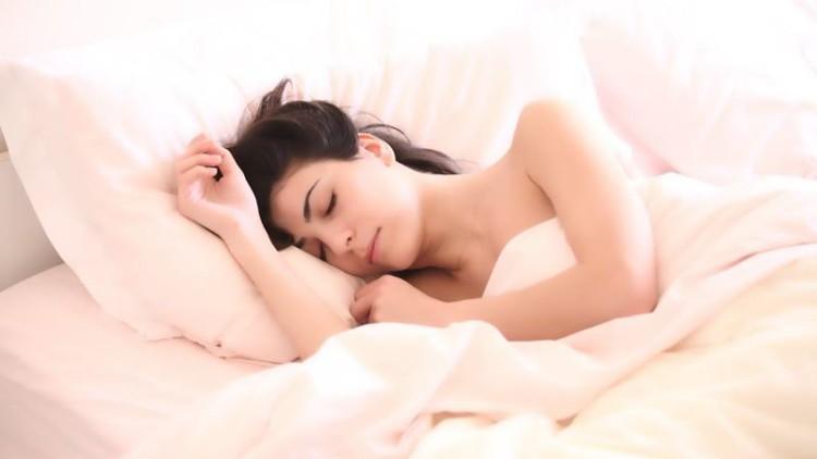Dormir bem ajuda a pele a cicatrizar mais depressa