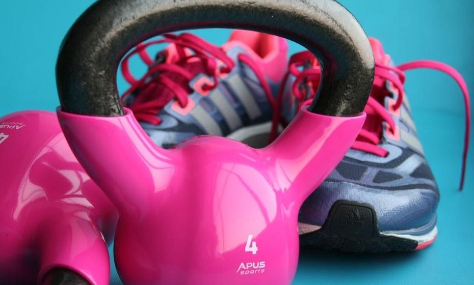 De há 12 anos para cá que o Colégio Americano de Medicina Desportiva anuncia as principais tendências de fitness para o novo ano. Questionando profissionais de 40 países, Portugal incluído, mostra o pulsar do mundo do fitness para 2018. Conheça o top 10.
