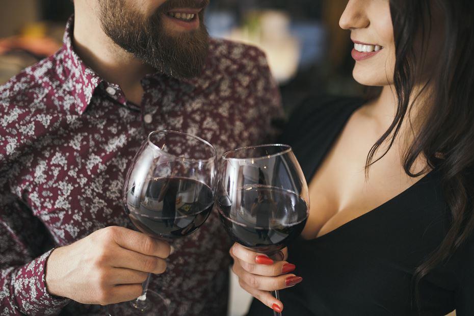 Cinco vinhos para um jantar romântico