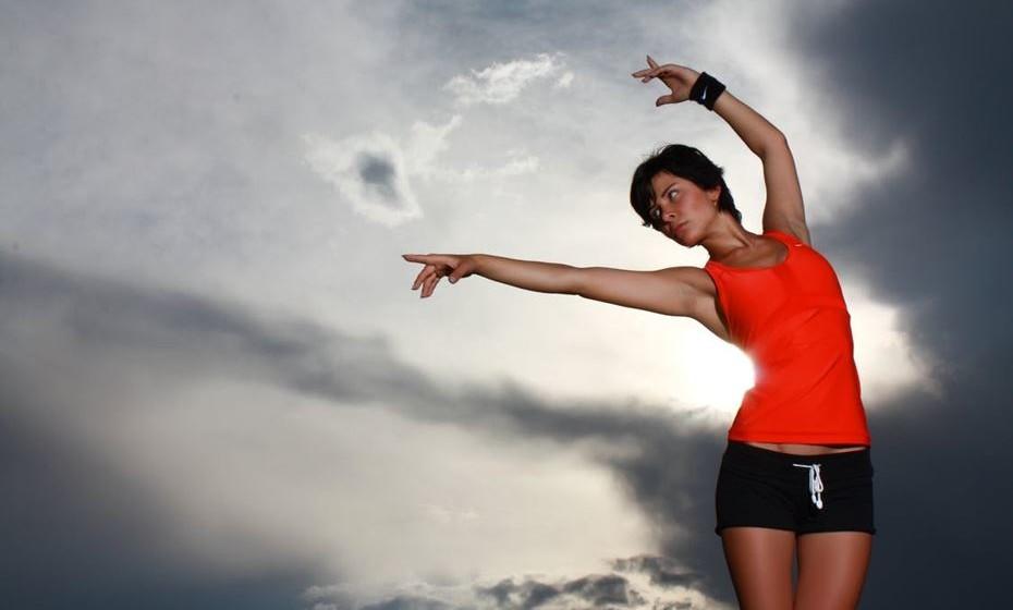 10 - Fitness funcional. É um treino que prevê treinar movimentos corriqueiros e habituais no dia-a-dia. É uma metodologia adaptada a programas de treino que visam a reintegração de populações especiais.