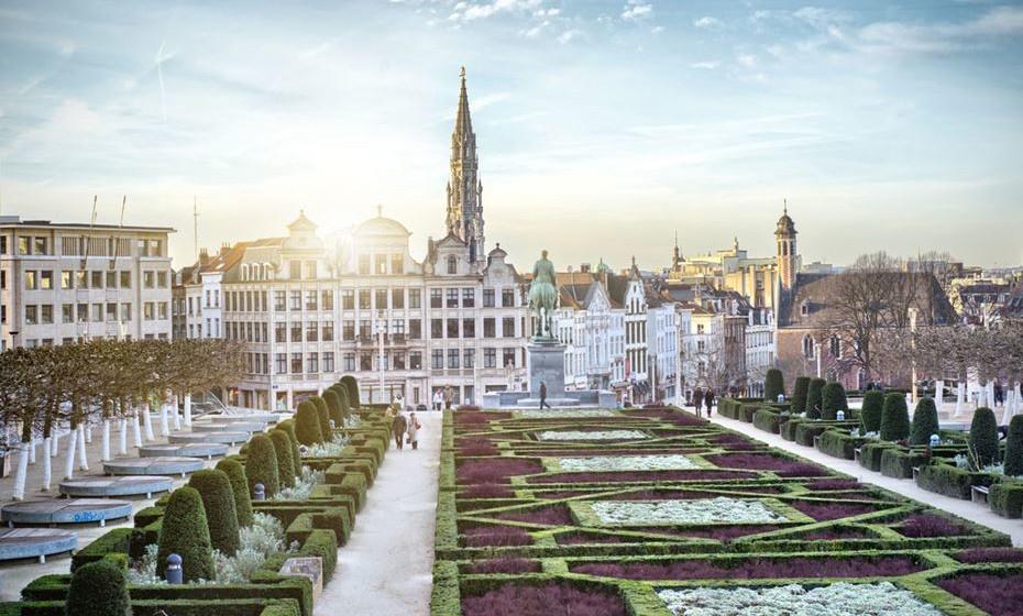 17 – Bruxelas, Bélgica - Chocolates, pralinês e flores podem aumentar a satisfação dos sentidos do casal. Além disso, existem vários hotéis e spas encantadores onde podem recarregar e relaxar juntos nesta cidade.