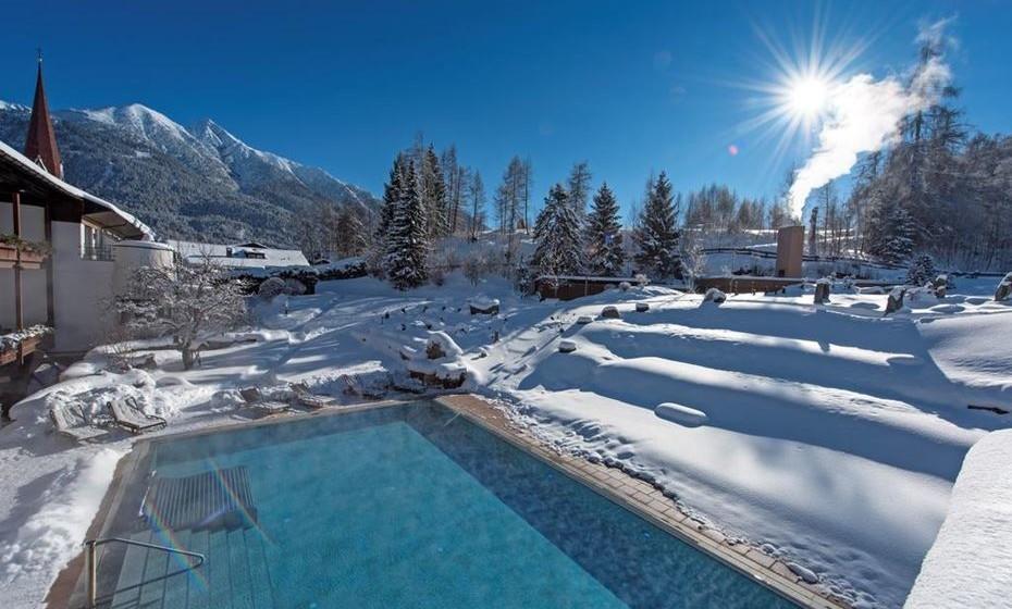 O Hotel Klosterbräu, um antigo mosteiro do século XVI, é um luxuoso hotel de 5 estrelas situado no centro de Seefeld, Áustria. Dispõe de uma ampla área de spa com uma piscina interior e uma ampla piscina exterior.