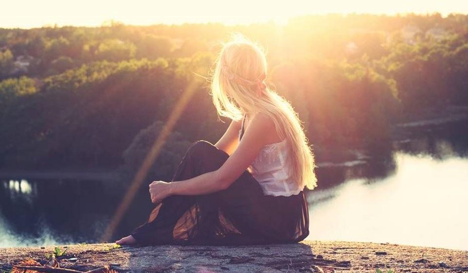 'Agradeça todos os dias' – Manter esta atitude positiva perante a vida consegue ajuda-la a lidar melhor com as agruras da vida. Uma mente tranquila faz maravilhas pelo corpo. Lembre-se de que dos desafios nascem oportunidades.